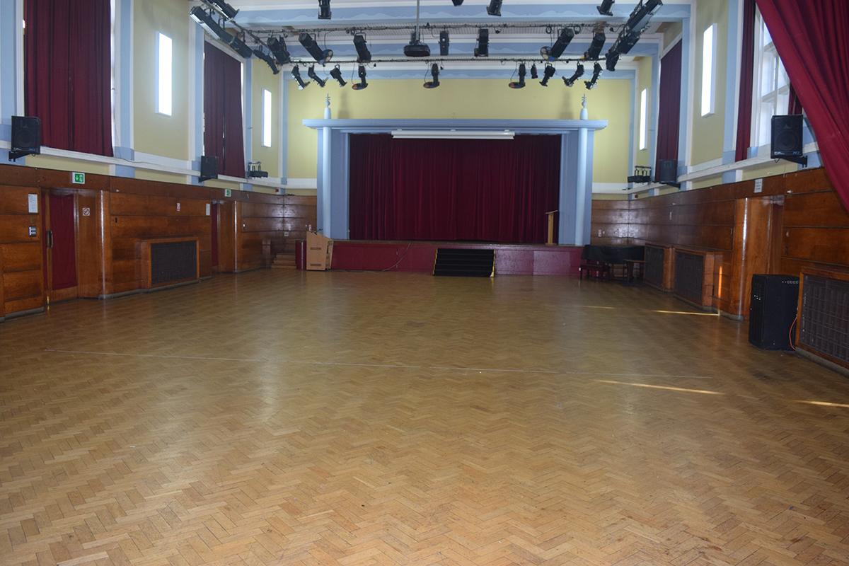 Hall Web - Isleworth & Syon School